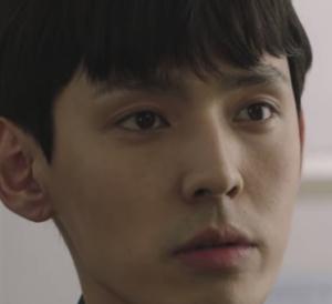 チェ・ウンチョルを演じる俳優カン・ヒョンソク