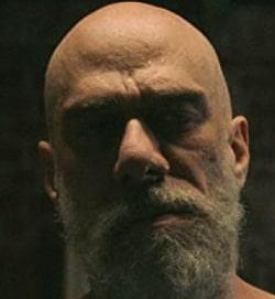 ベッカーを演じる俳優デヴィッド・フィグリオーリ
