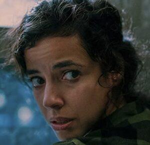 アンバーを演じる女優クリスティーナ・ロドロ