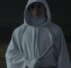 第二の殺人 ナイフを持つ犯人