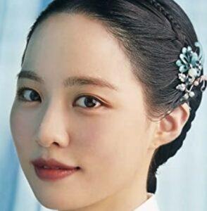 シン・ソウンを演じる女優ペ・ユンギョン